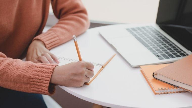 学生用Amazonプライムスチューデントの特典【6ヶ月無料体験】